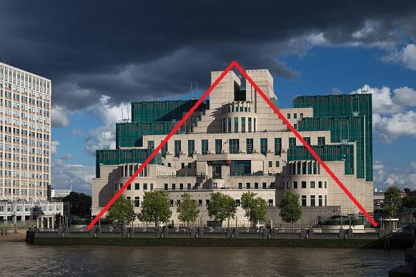 Hiding_pyramid